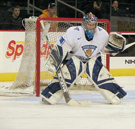 picture of goaltender