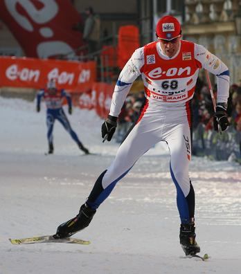 picture of nordic skier