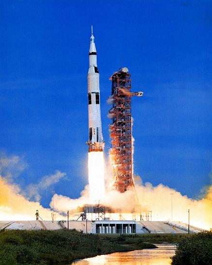 picture of apollo 15 rocket
