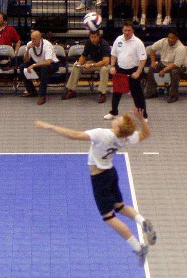 picture of volleyball jump serve