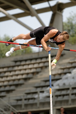 pole vaulting picture