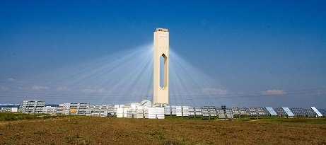 solar power tower picture showing solar energy use